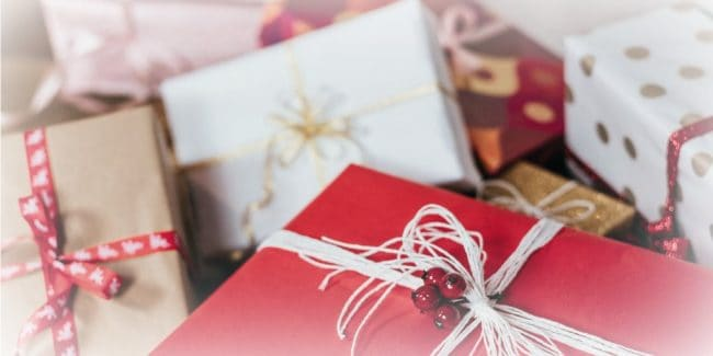 optimize holiday shopping credit card spending 2