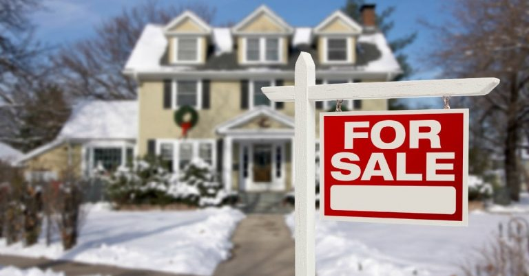 Are There Advantages to Buying a House in the Winter?