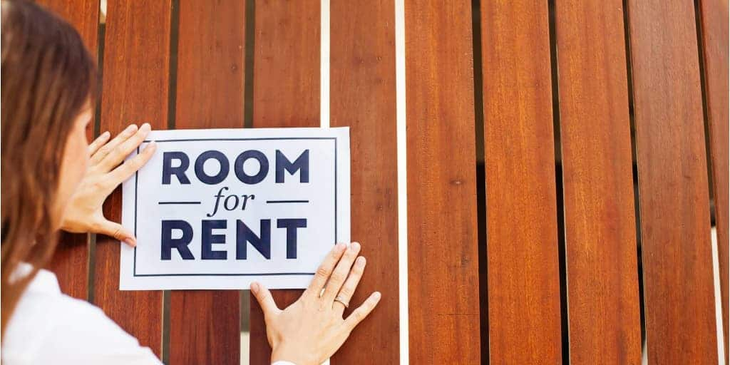 rent out a room sign