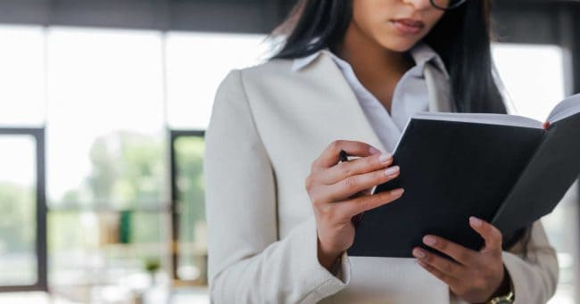 business women working for free for the experience