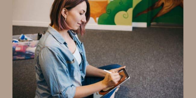 female artist creating art